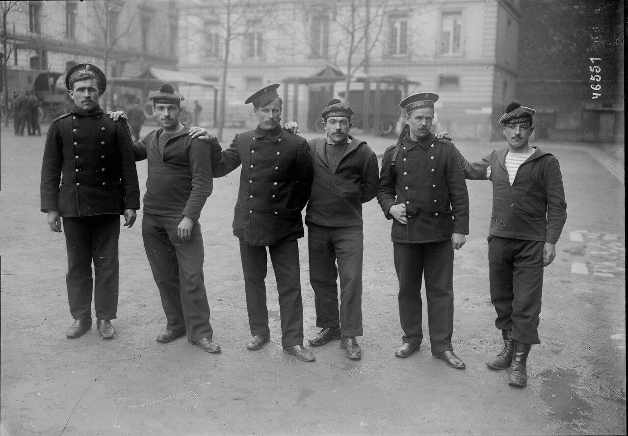 1916. Российские моряки в казармах 8-го округа