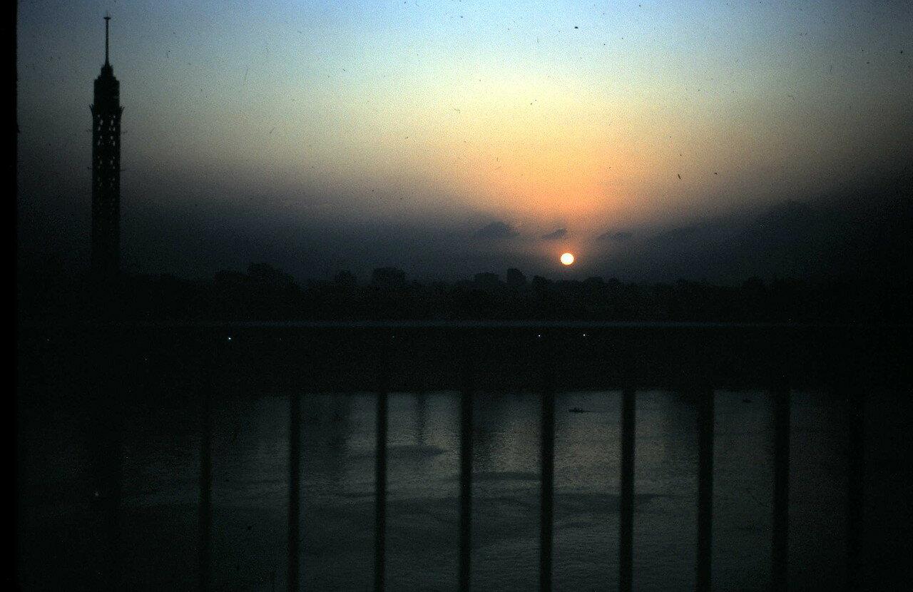 8 августа. Каир (Египет). Закат над Нилом
