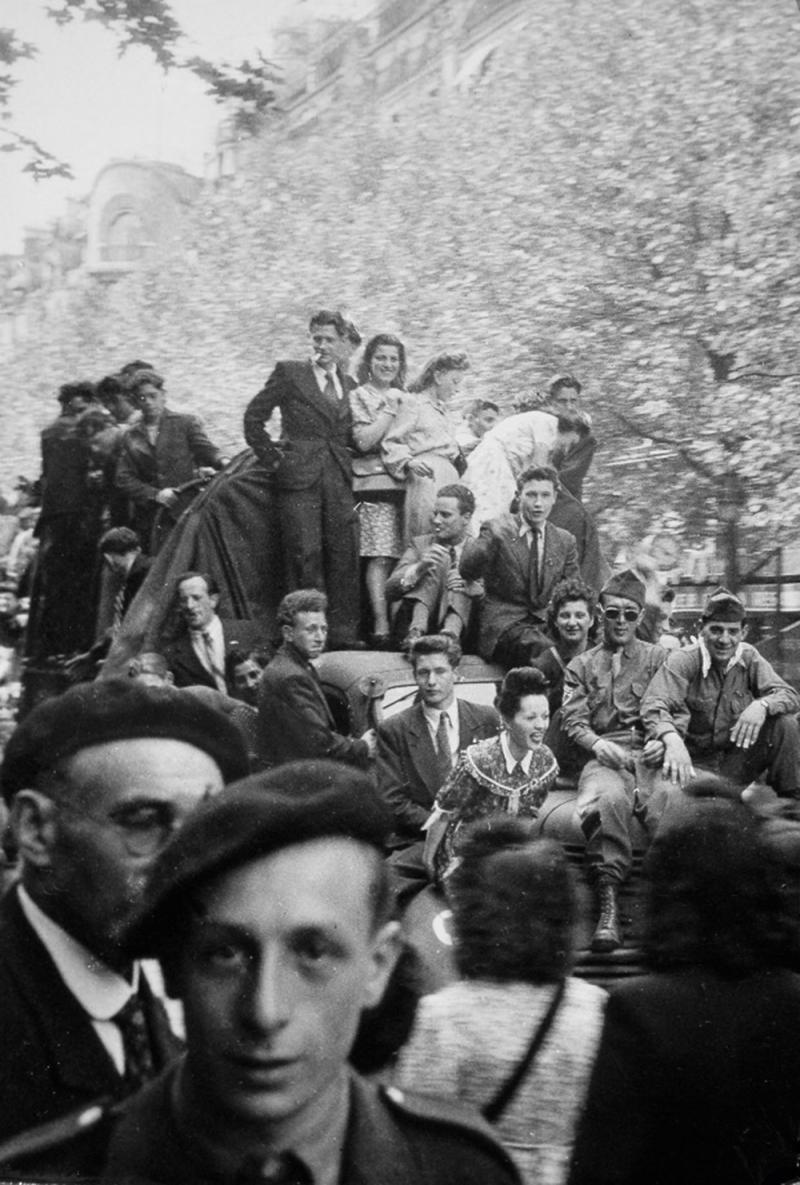 1945. Париж, 8 мая