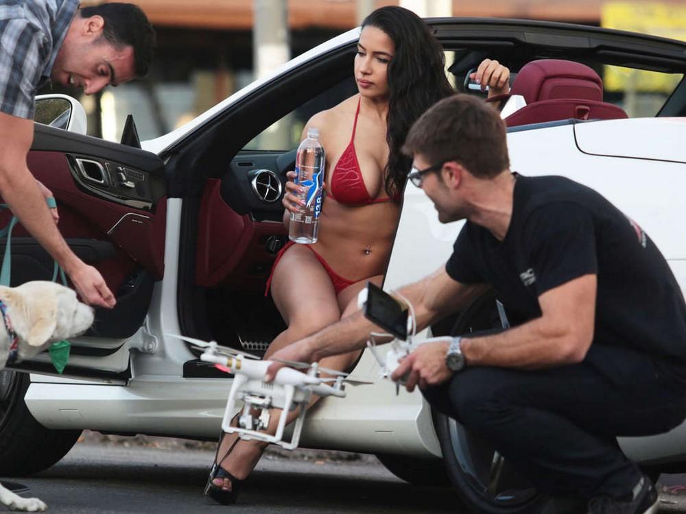 Nasia Jansen в рекламной фотосессии в бикини