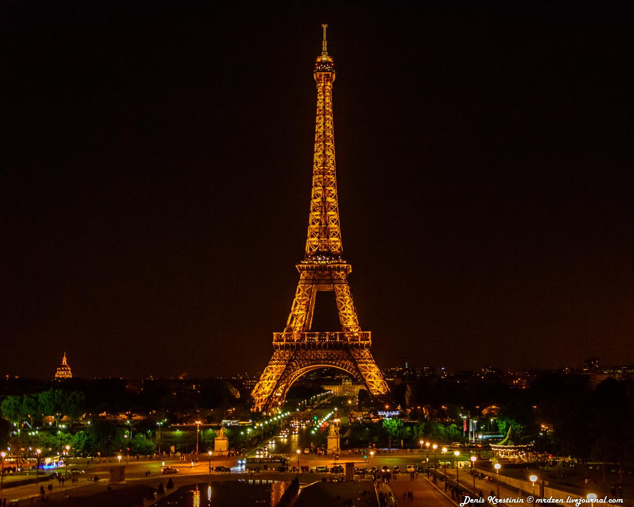 Эйфелева башня - версия ночная