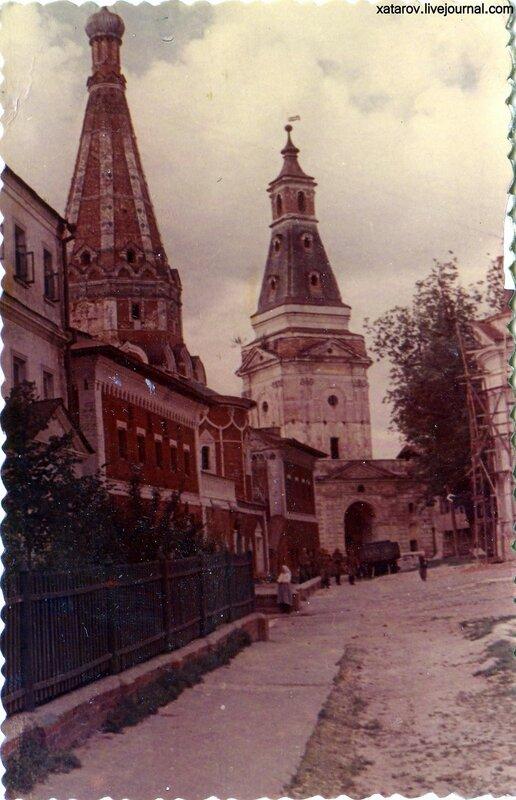 Троицко-Сергиевский монастырь в Загорске. Больничные палаты. 26.07.83 г..jpg