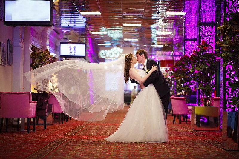 Свадебная фотосессия в отеле Korston. Свадебный фотограф Калита Иван.