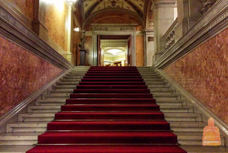 Лестница в будапештской опере