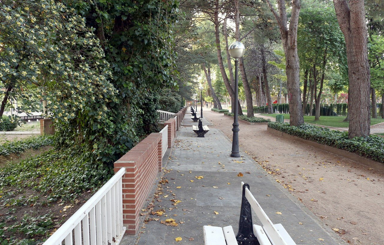 Huesca, Lastanosa garden (jardin de Lastanosa)