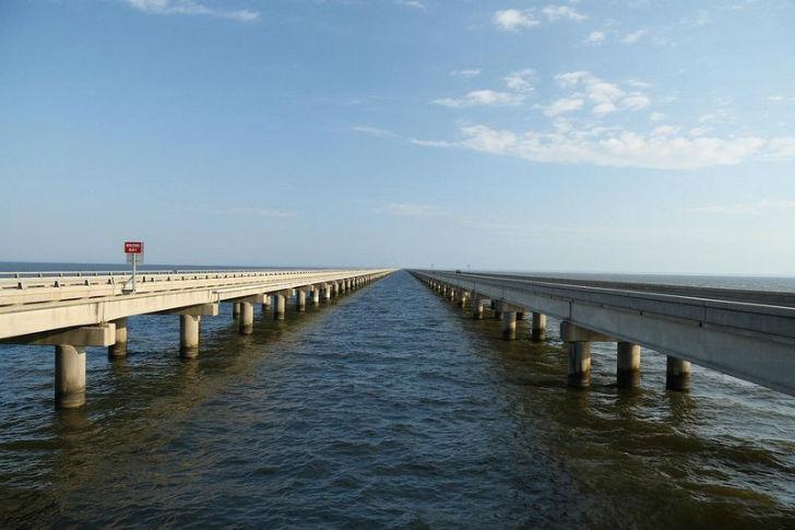 Представители Книги рекордов Гиннесса уже успели разжаловать американский мост до 2-го места и решил