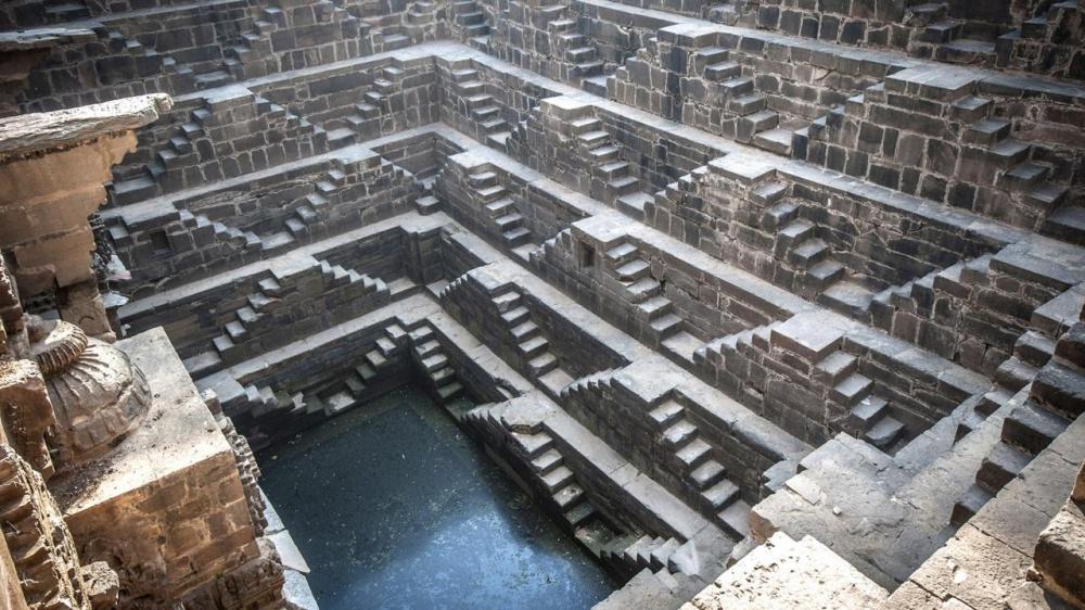 Архитектурный комплекс Чанд Баори, расположенный вмаленькой индийской деревушке Абанери, является о