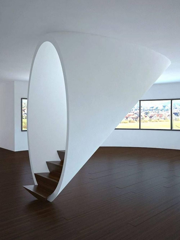 Аеще дома можно построить настоящий туннель. Если есть лестница. Окно
