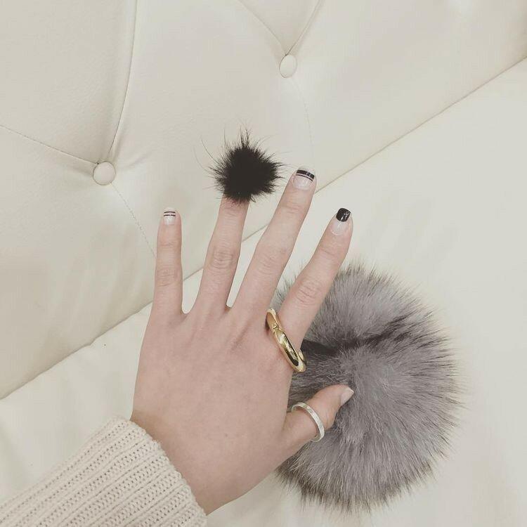 ногти-с-помпонами-pom-pom-nails-фото8.jpg