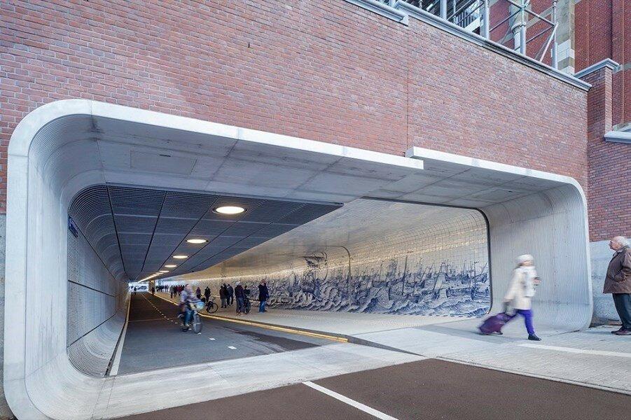 Пешеходный туннель в Амстердаме