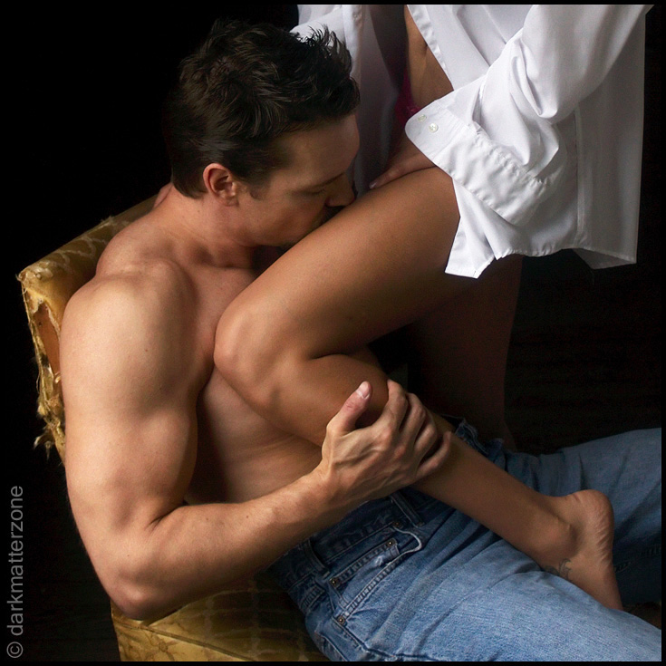 Мужчина и женщина эротические ласки