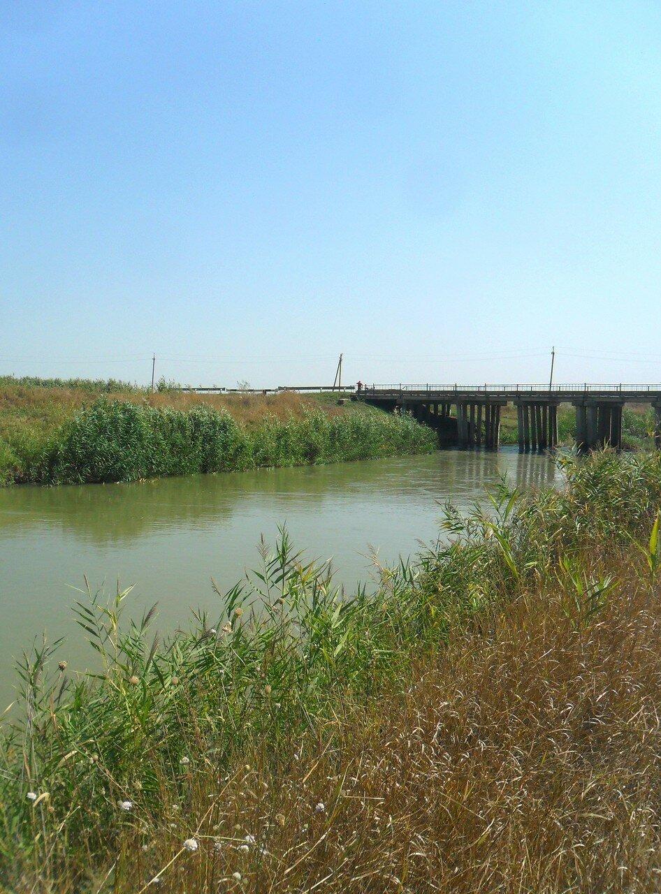 На берегу канала ... SAM_3549.JPG