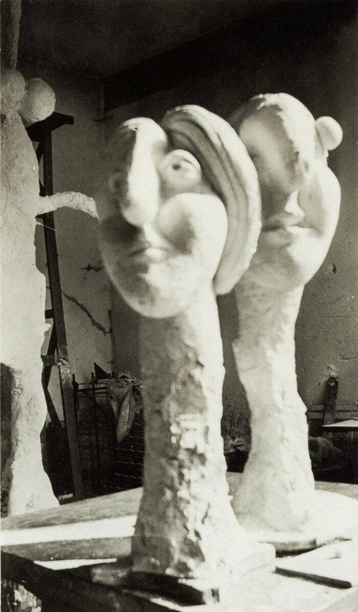 1931. Три гипсовые скульптуры, фото в мастерской Пикассо в Буажелу