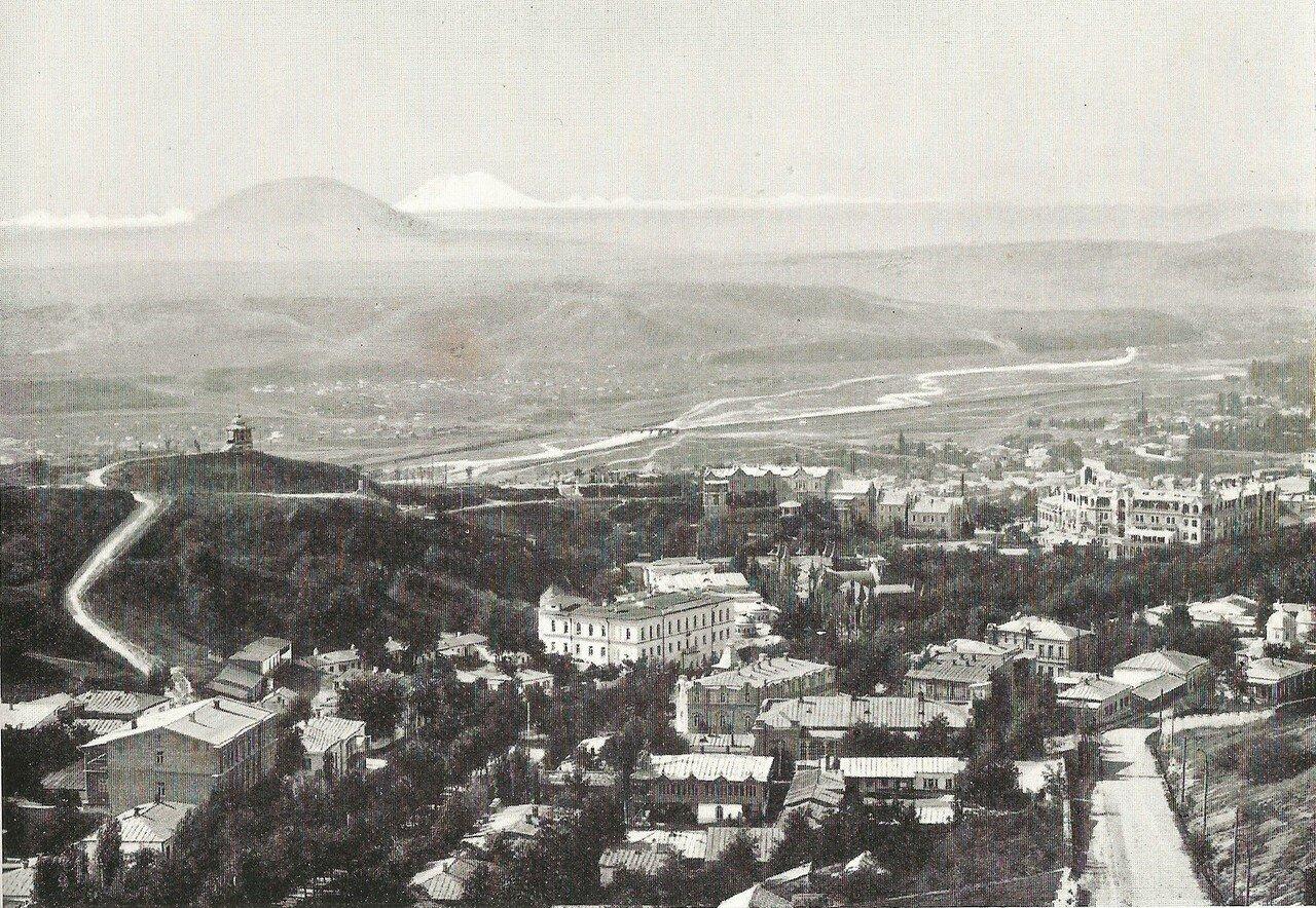 Вид на Горячую гору, Эльбрус и цепь снеговых гор