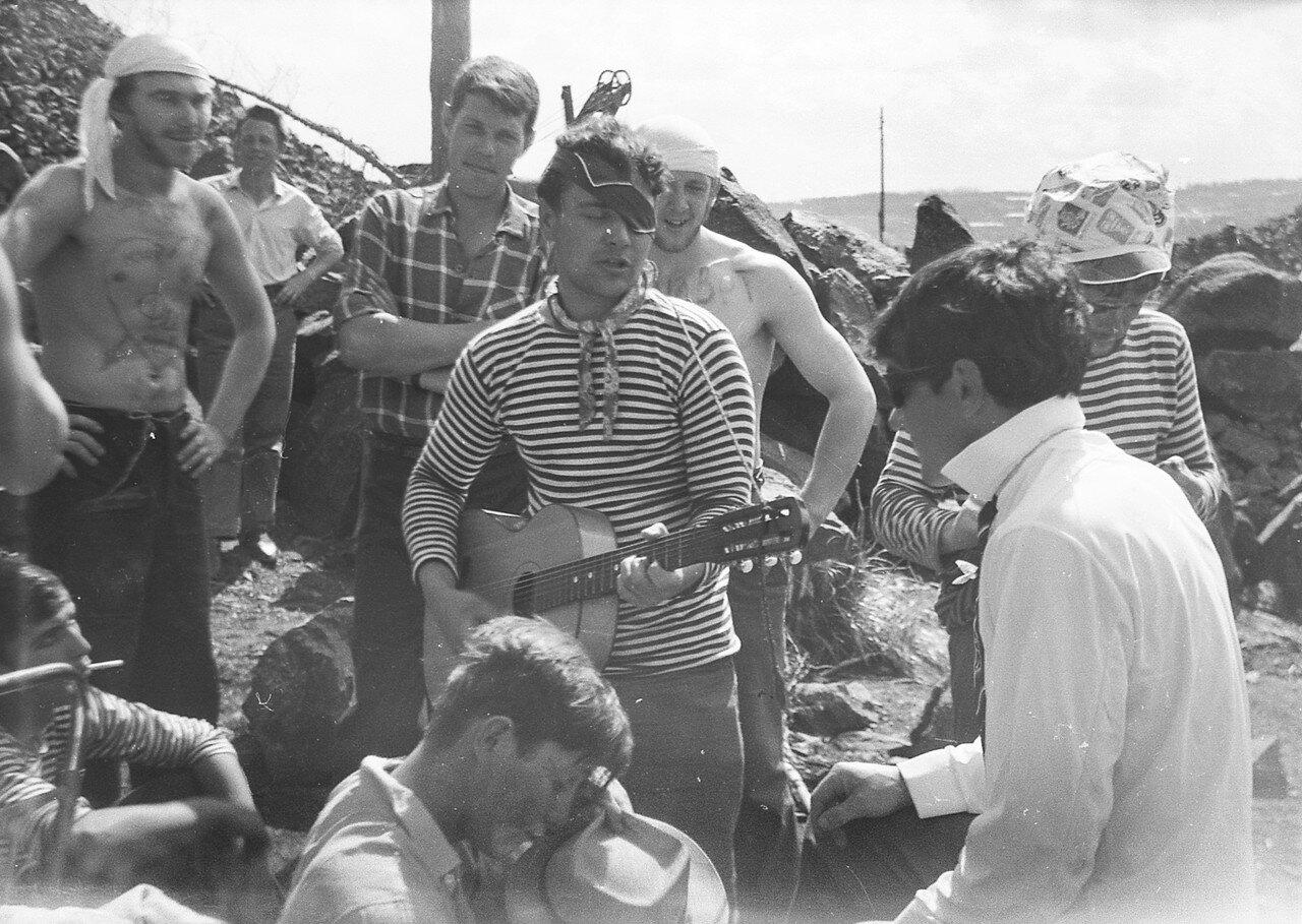 1970. Пиратская песнь в исполнении Славы Гайдуля. ССО ПТЭФ Вилюй-70