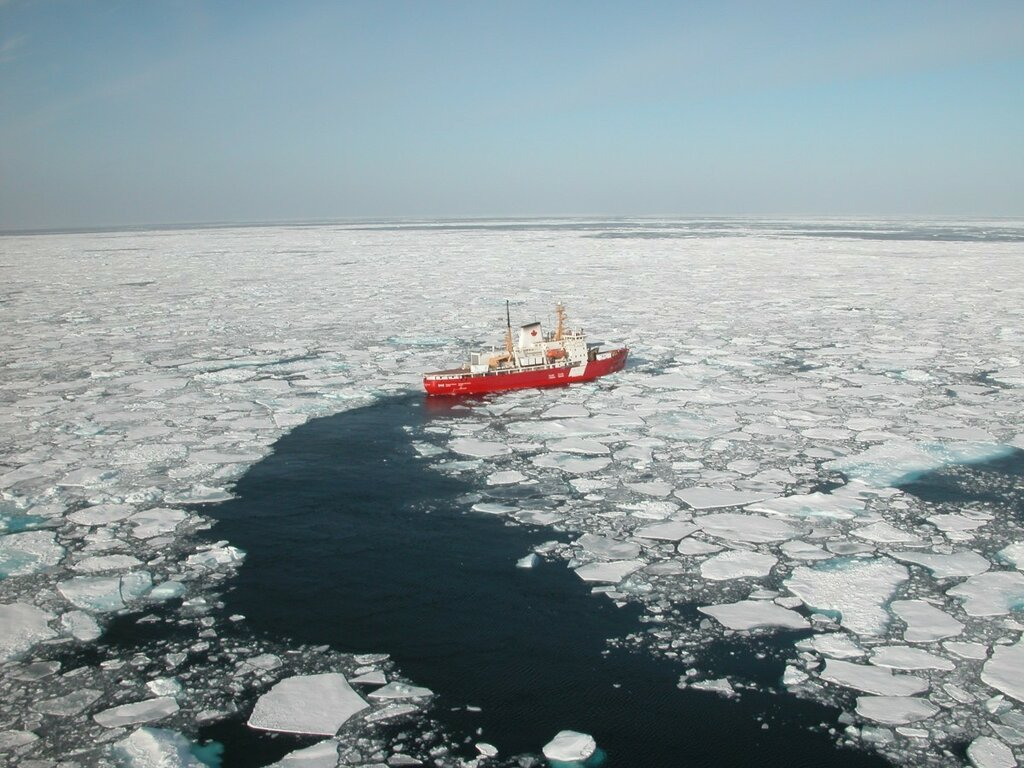ccgs_amundsen-1200x900.jpg