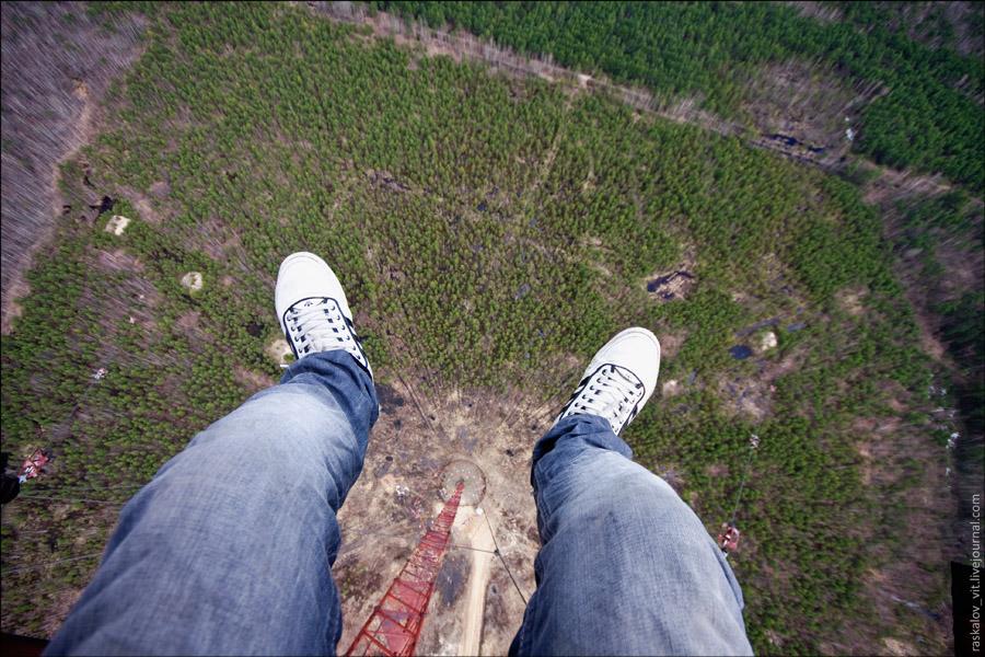 19. Традиционный кадр с болтающимся ногами. Остальные секреты вконтакте .