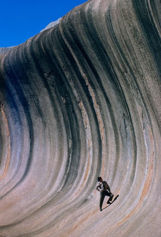 Скала Каменная волна, сформированная ветрами и дождями, в Восточной Австралии, 1963 год.