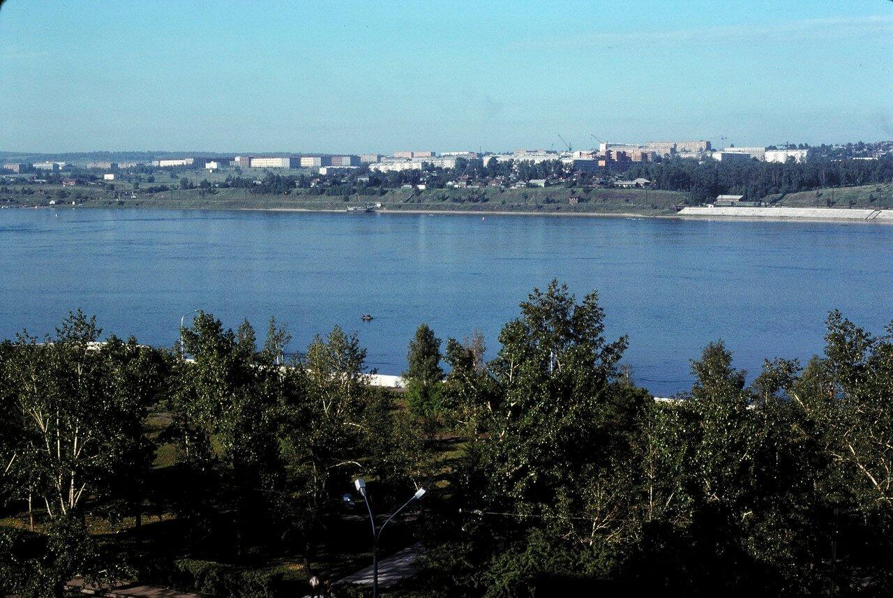Вид на Ангару и часть города из гостиницы «Интурист»
