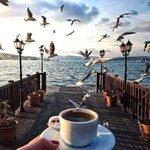 кофе и море.jpg