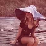 Аватарки Лето с бабочками, девушками в бикини и пляжами