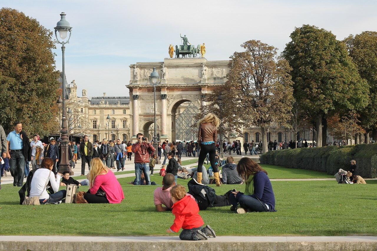 Осенний Париж. Сад Тюильри (Jardin des Tuileries). Воскресный вечер