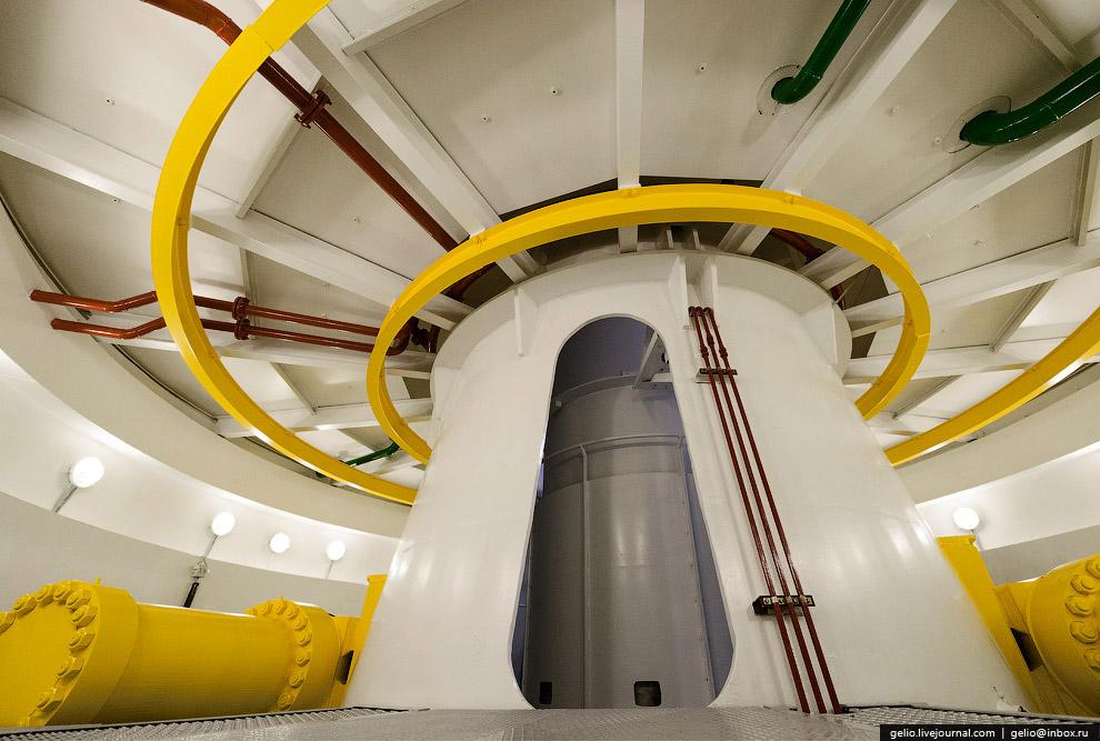 Машинный зал имеет длину 150 метров.