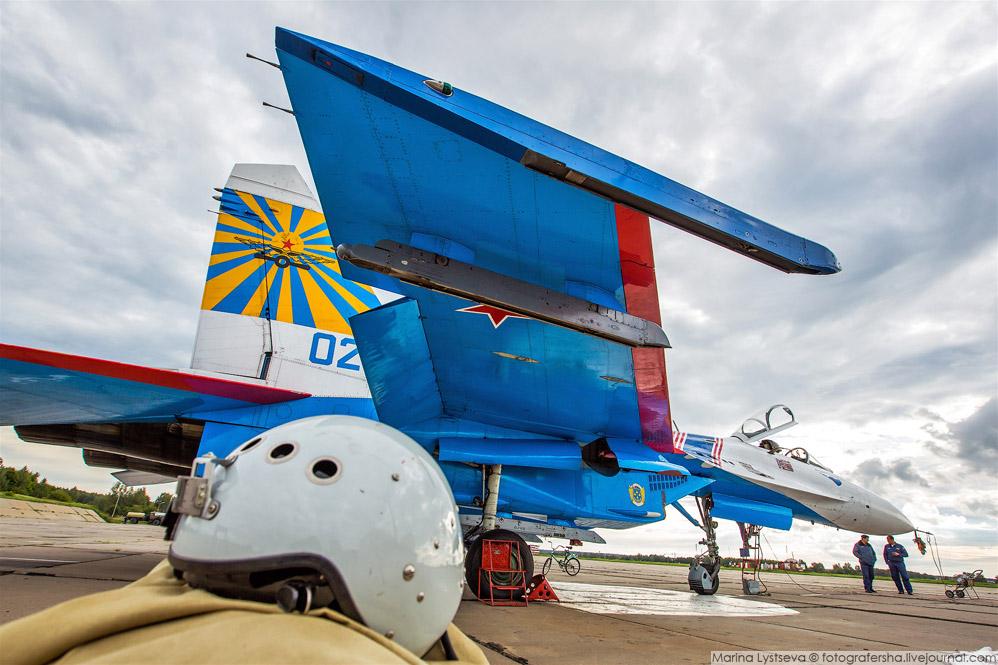 3. Линейка Су-27.