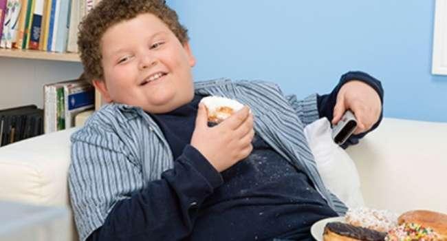 Ученые поведали, почему подростки неожиданно толстеют