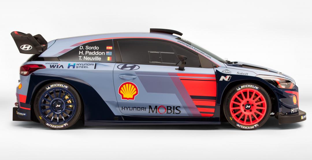 Гонщик Паддон насмерть сбил зрителя наэтапе WRC «Ралли Монте-Карло»