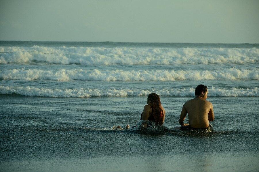 Индонезийцы на пляже