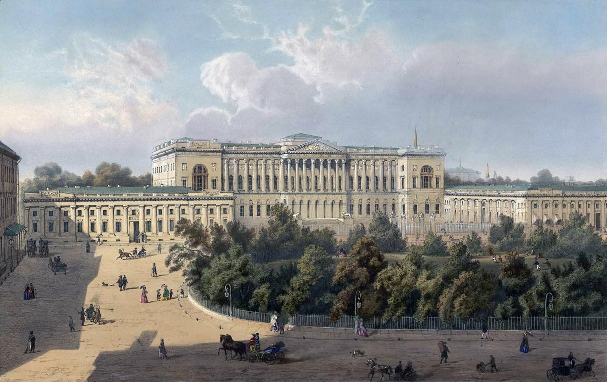 Площадь Искусств и Михайловский дворец