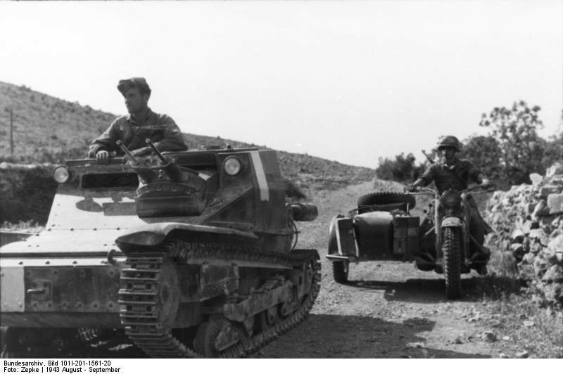 Balkan, italienische Panzer; Krad mit Beiwagen
