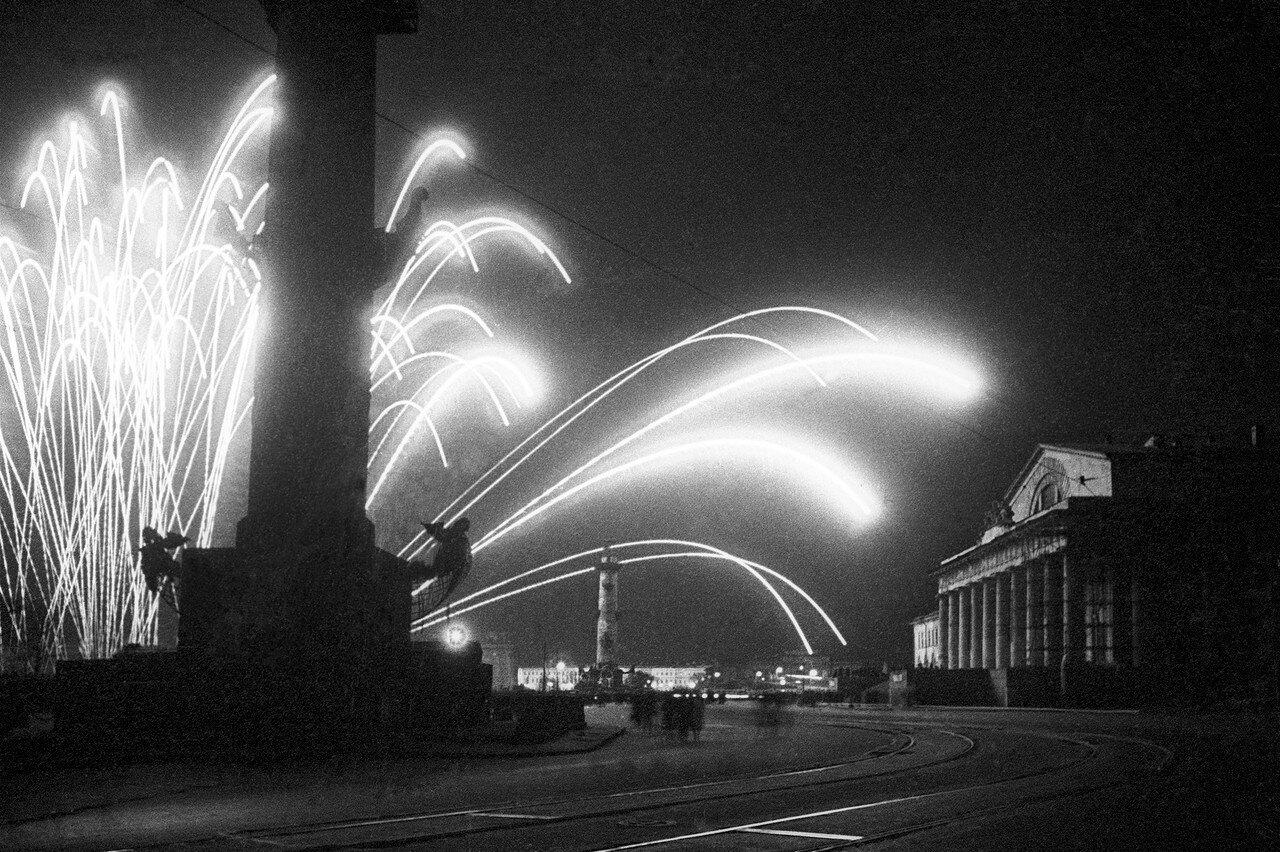 Фото день победы в ленинграде, пятница картинки анимационные