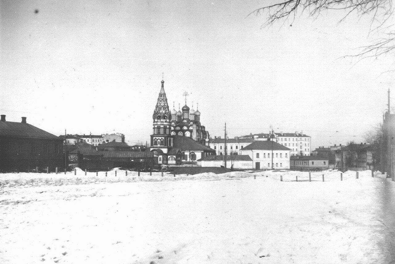 Церковь Николы в Хамовниках с Хамовнического плаца