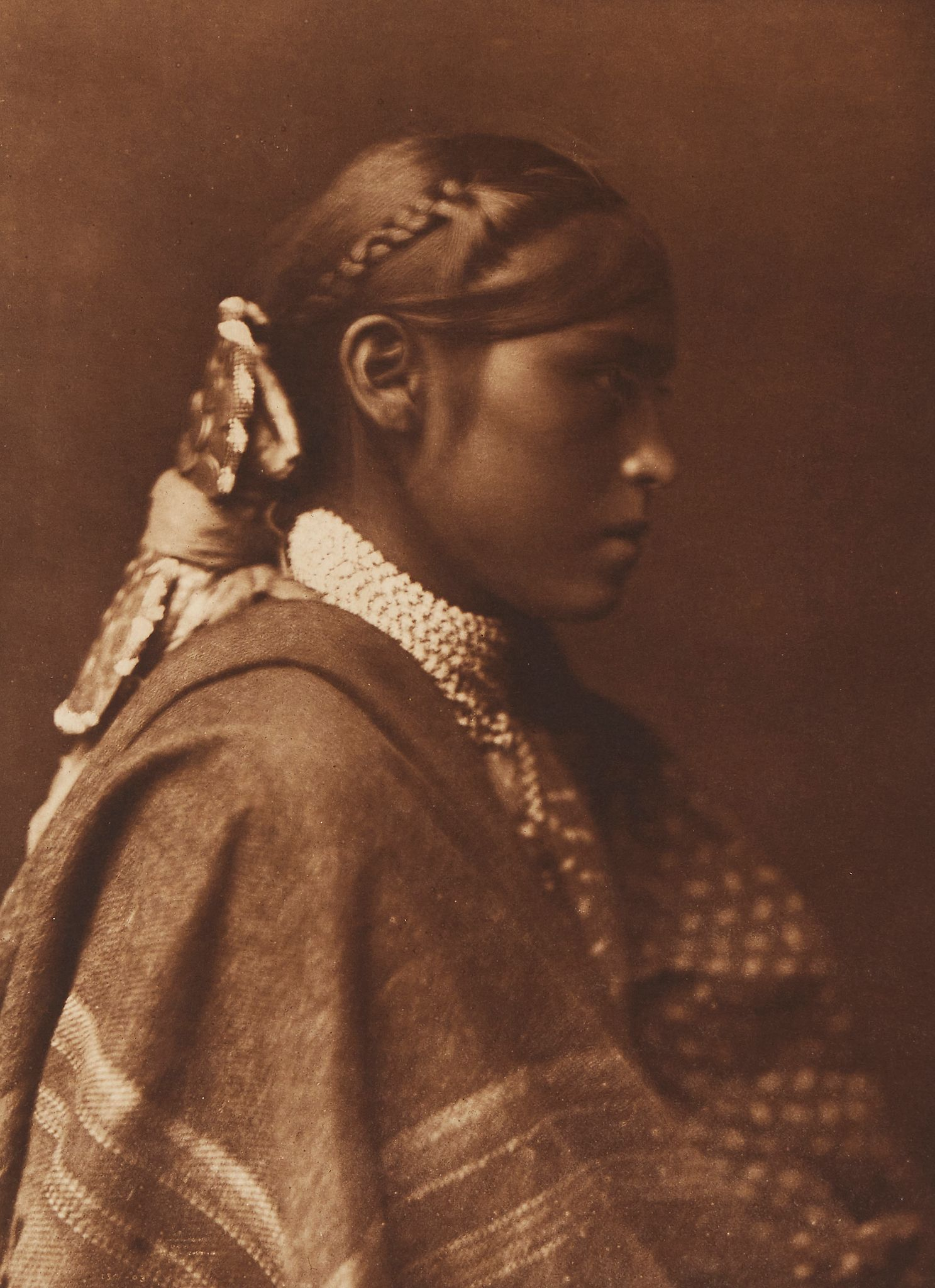 1903. Сидеш