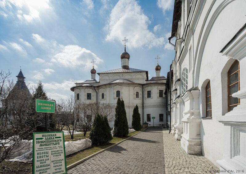 Храм Святителя Николая Чудотворца Новоспасского монастыря