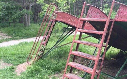 """Преображение """"Долины роз"""": старые качели и новые будки"""