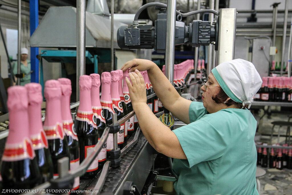 Российские регионы начинают вводить ограничения на продажу алкоголя