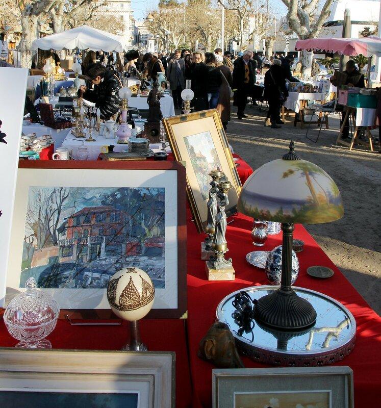 Новогодний Канн. Блошиный рынок на аллее Де Голля