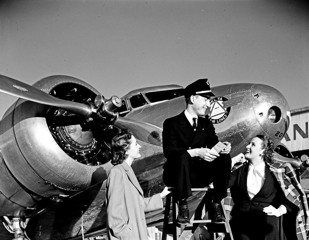 34. Также смотрите « Москва 1941-го глазами американского фотографа » и « Тайны Острова кролико