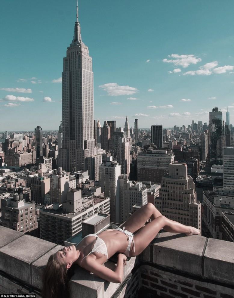 Красота и грация женщин на крышах небоскрёбов