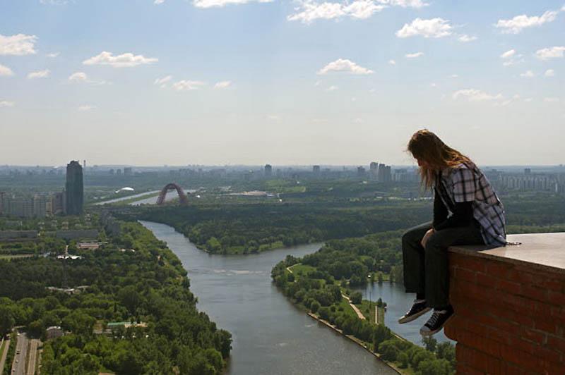 15. Над Москвой, на высоте в 120 метров. (MAX POLATOV / BARCROFT)
