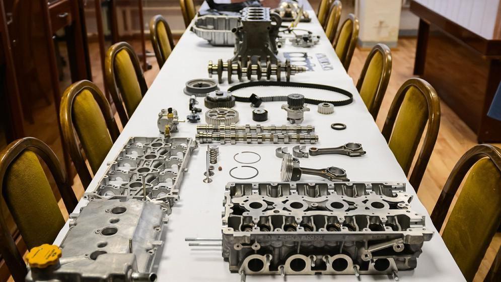 История «Новейшая история» 1,8-литрового двигателя началась на АВТОВАЗе в 2006 году. Тема была иници