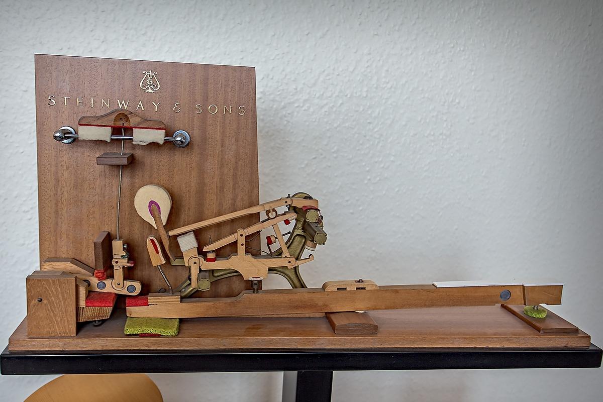 Steinway & Sons, клавишно-молоточковый механизм, молоточковый механизм рояля, клавишный механизм рояля