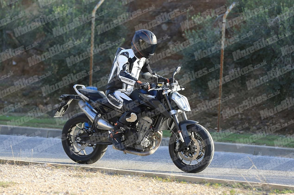 Шпионское фото KTM 790 Duke 2017