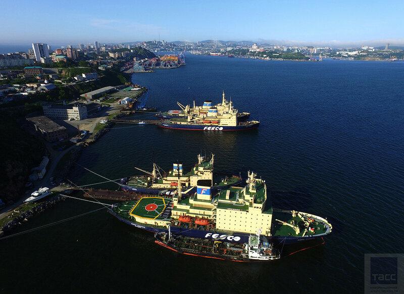 Ледоколы транспортной группы FESCO снова при делах