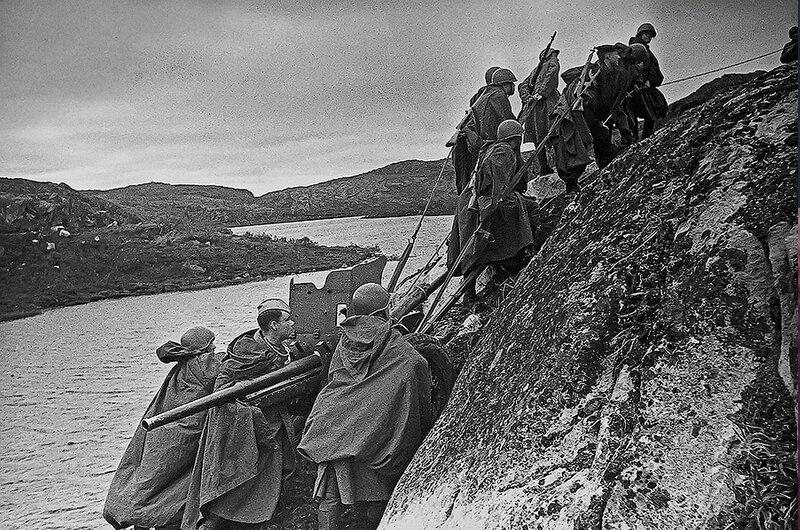 Фотография Е. Халдея(1917 - 1997)Фотохудожник Победы (24).jpg