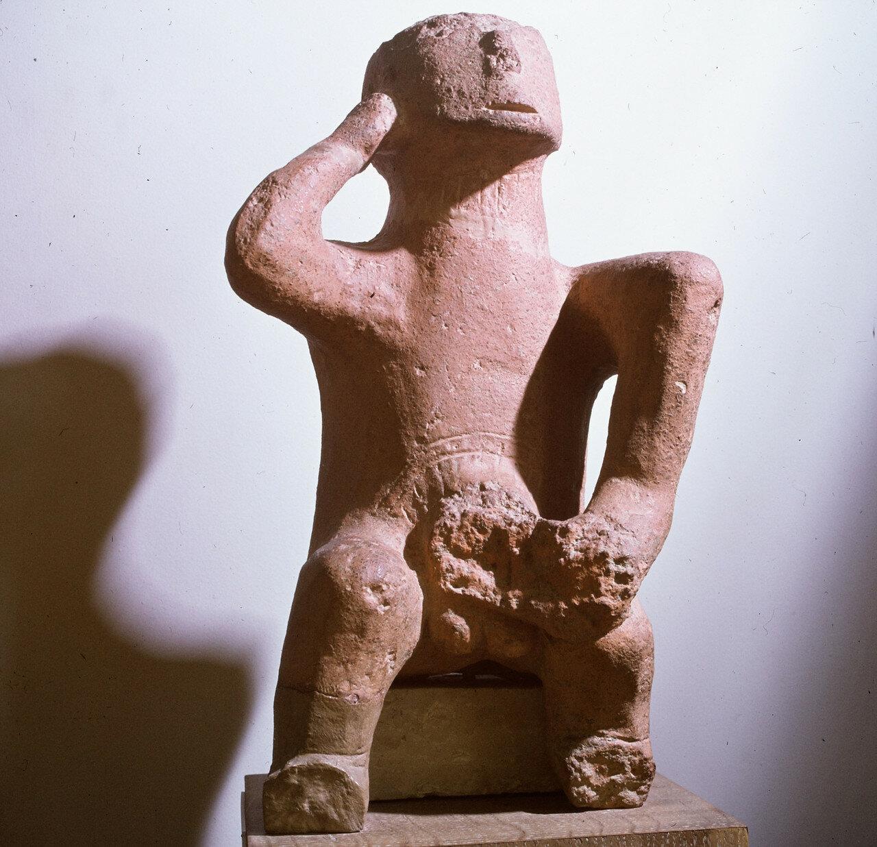 Большой терракотовый идол. Фессалия, бронзовый век, третье тысячелетие до н.э.
