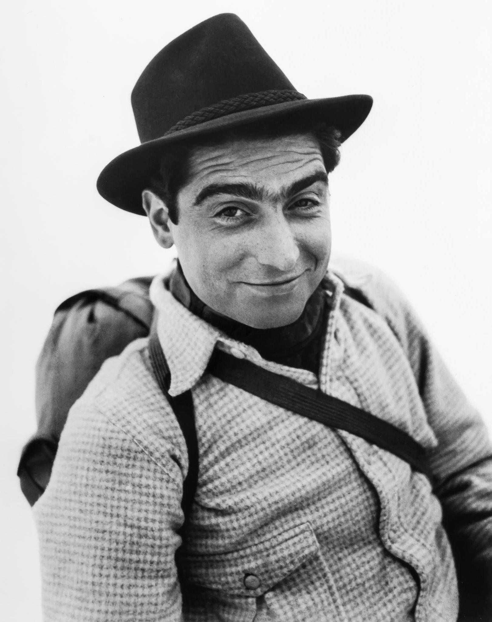 1939. Роберт Капа